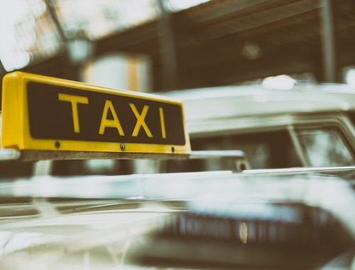 На женщину-таксиста совершено нападение в Биробиджане
