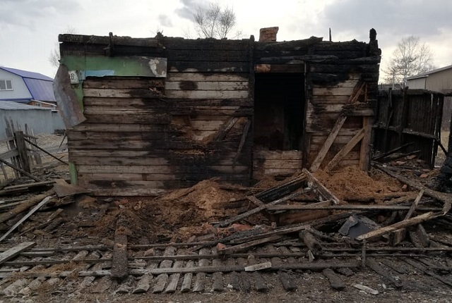 Дачный дом вспыхнул в Биробиджане