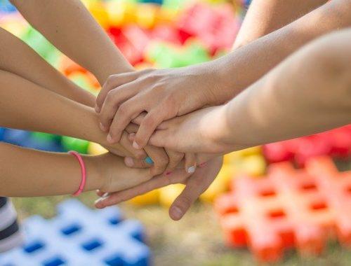 Семьи с девятью и более детьми получат по миллиону рублей в ЕАО