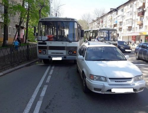 Пассажиры автобуса пострадали в ДТП в Биробиджане