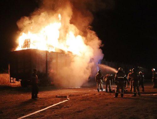 Вагон грузового поезда с древесиной вспыхнул в ЕАО