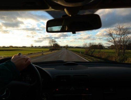 Жители ЕАО не спешат получать водительские права