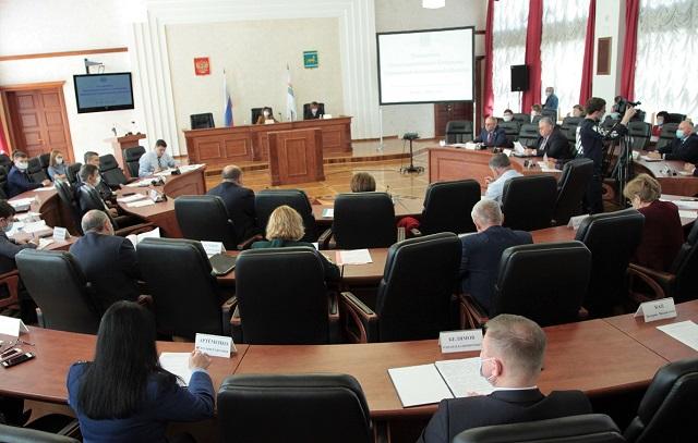 Депутаты ЕАО рассматривают изменения в закон о продаже алкоголя