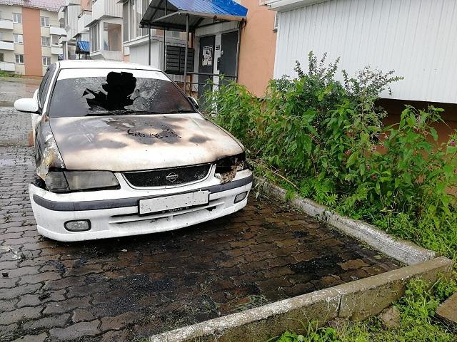 Автомобиль вспыхнул в Биробиджане