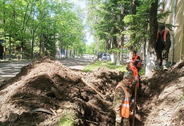 В Биробиджане начались работы по очистке ливневых канализаций
