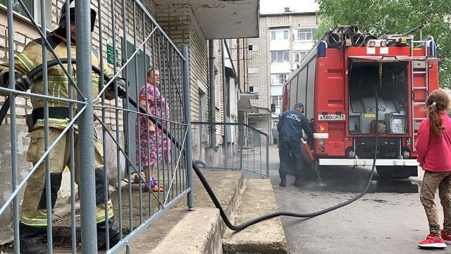 Подвал загорелся в биробиджанской многоэтажке