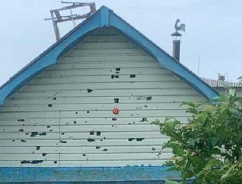 Непогода мешает восстанавливать побитые градом крыши в п. Николаевка