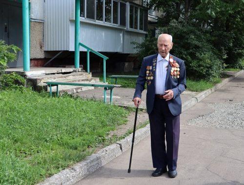 Общественники исполнили желание участника Великой Отечественной войны Лазаря Брусиловского