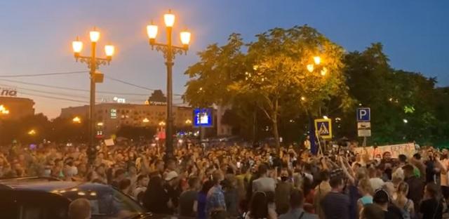 Новый врио губернатора Хабаровского края не вышел к митингующим
