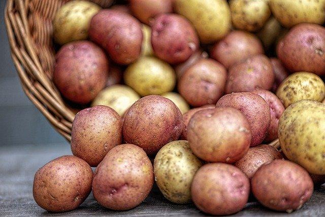 В ФАС ответили на жалобы о высоких ценах на картофель в Биробиджане