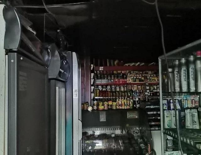 Продуктовый магазин вспыхнул в Биробиджане