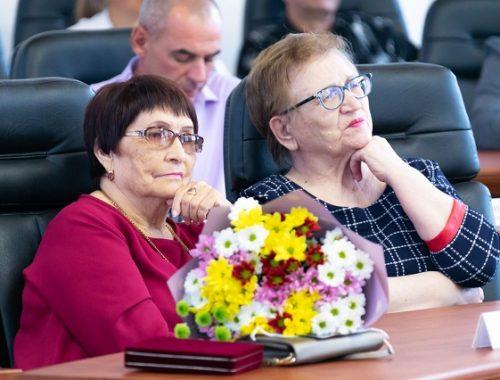 Награды вручили лучшим представителям различных профессий в ЕАО