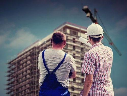 Без вас не было бы Биробиджана: поздравление с Днем строителя!