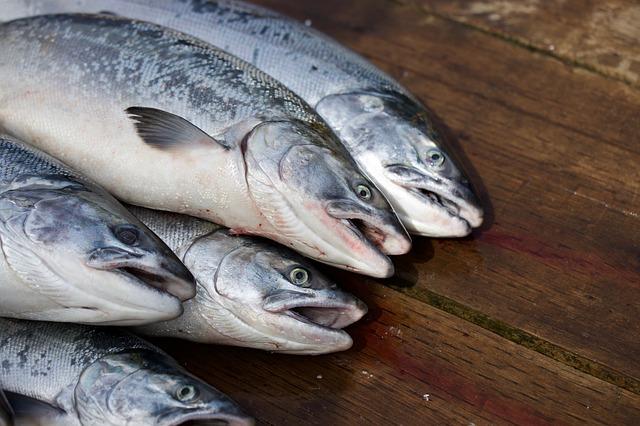 Два протокола составили на торговцев рыбой в Биробиджане