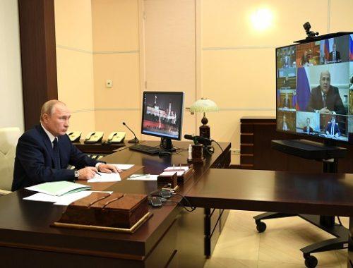 Путин поручил выделить 5 млрд рублей на бесплатные лекарства от коронавируса