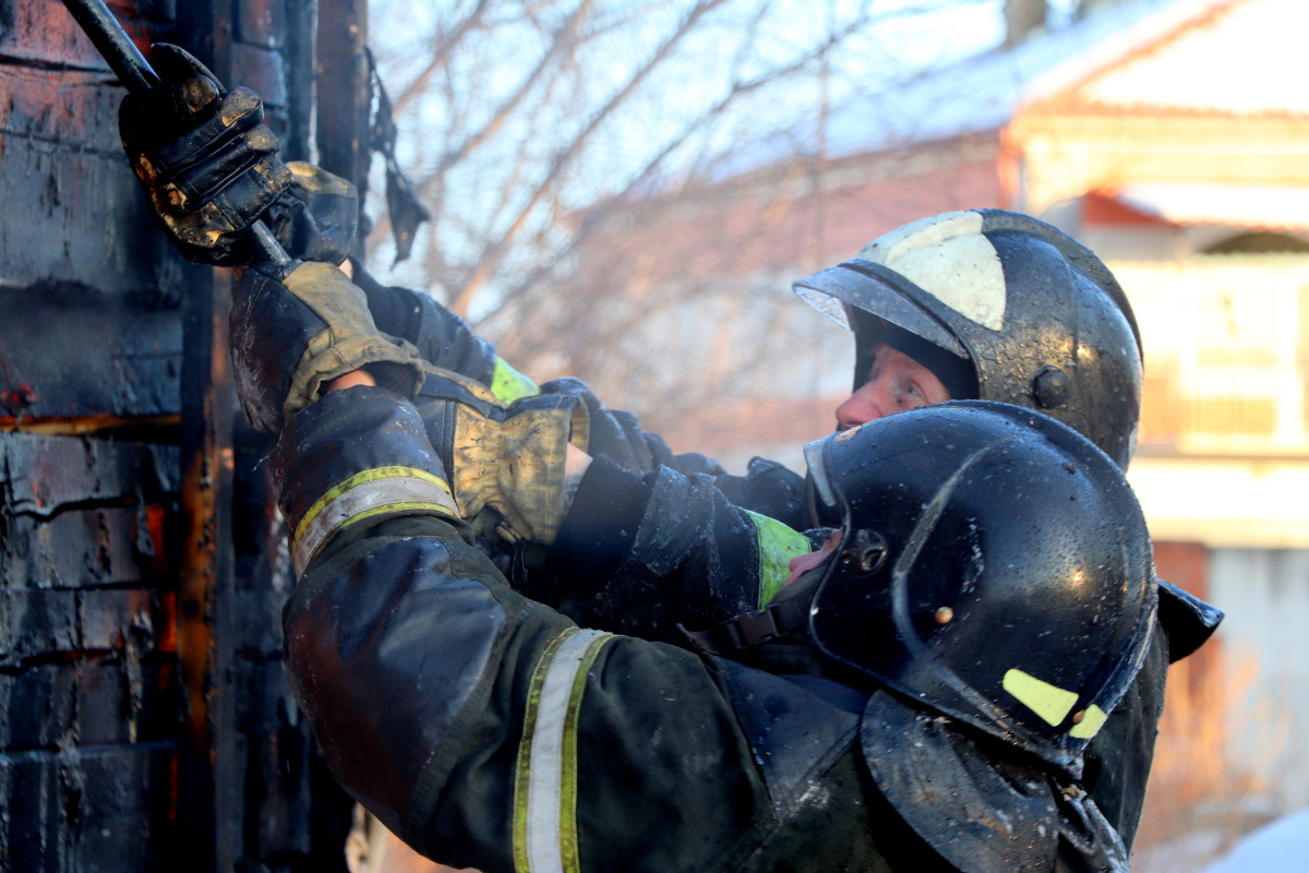 Пожарным дважды за день пришлось тушить диваны в ЕАО