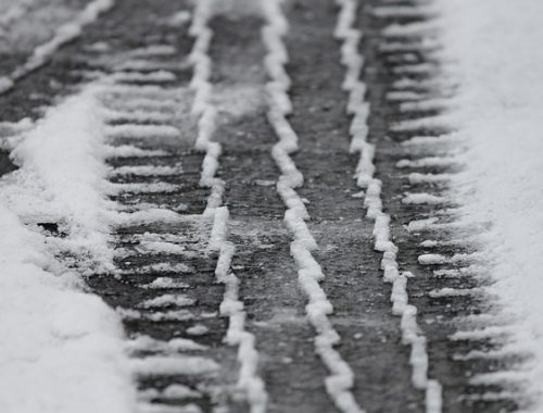 В ЕАО из-за снегопада закрыто движение рейсовых автобусов