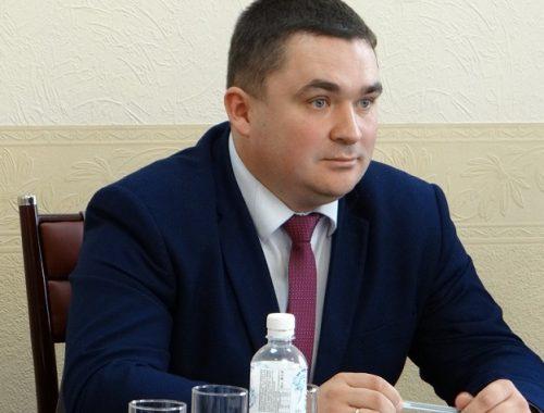 Ушел в отставку председатель Гордумы Биробиджана Артем Куликов