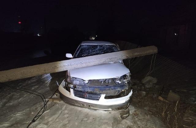 Автомобиль врезался в опору ЛЭП в ЕАО