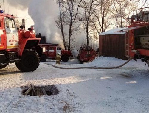 Семь человек лишились крова из-за пожара в п. Теплоозерск