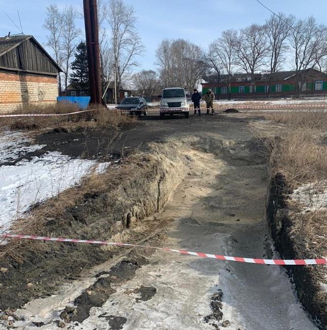 Ребенок упал в горящую золу возле школьной котельной в ЕАО