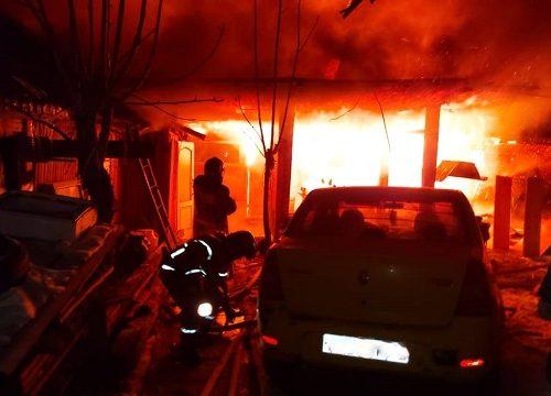Огнеборцы спасли из горящей бани биробиджанца