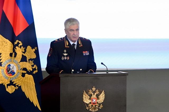 Глава МВД заявил о нехватке в ведомстве 70 тысяч сотрудников