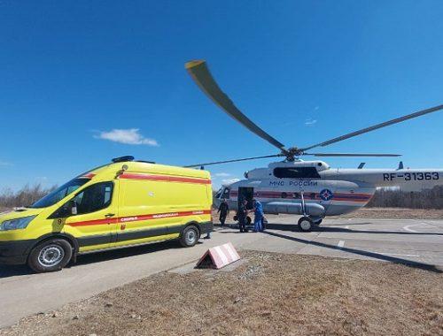 Биробиджанку эвакуировали на вертолете МЧС в Хабаровск