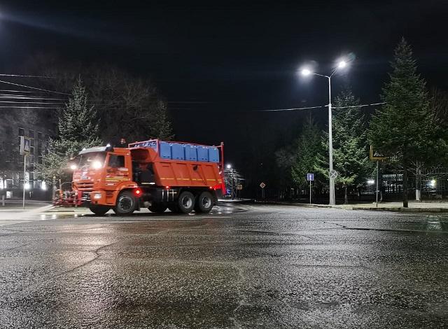 На новый график уборки улиц перешли коммунальщики в Биробиджане