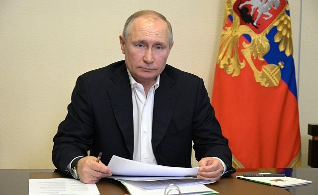 Сегодня Владимир Путин выступит с посланием Федеральному собранию