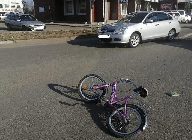 Девочка на велосипеде угодила под колеса автомобиля в Биробиджане