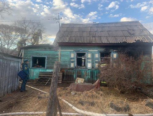 Возможный поджог дома с хозяйкой расследуют в ЕАО
