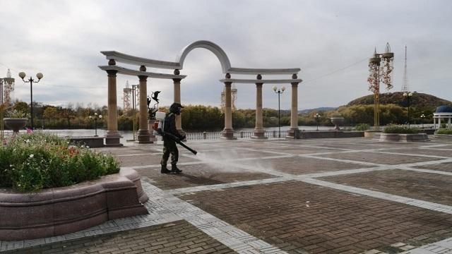 В Биробиджане дезинфицируют общественные места