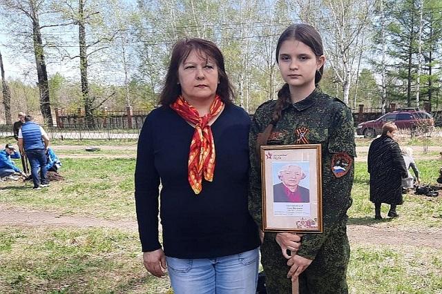 В честь женщины-снайпера в Биробиджане высадили 40 тополей