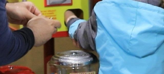 Школьница застряла рукой в игровом автомате в Биробиджане