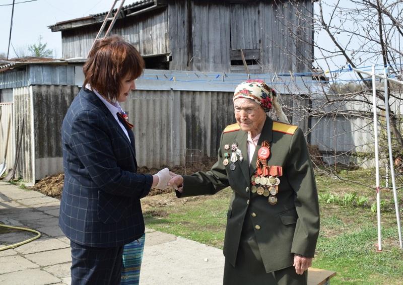 Ветераны в ЕАО принимают поздравления с наступающим Днем Победы