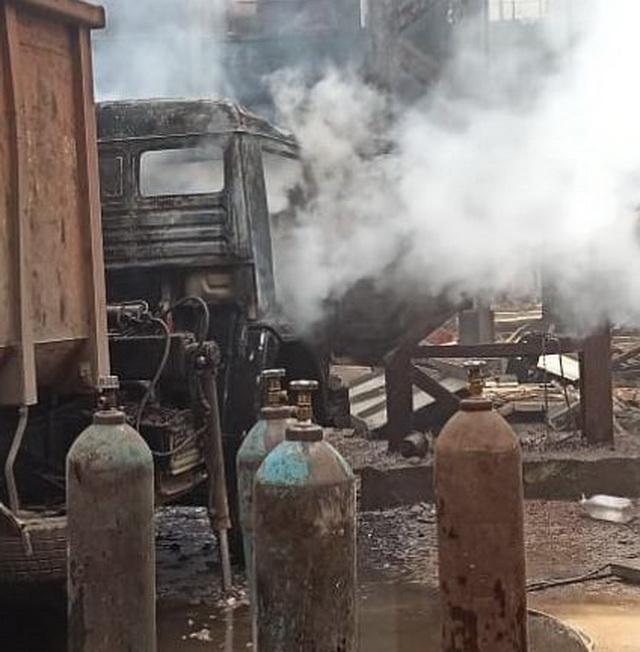 Спецтехника вспыхнула в Биробиджане