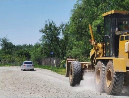 На разбитую дорогу к поселку Щукинка жалуются биробиджанские дачники