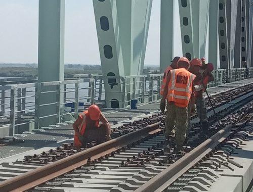 Части трансграничного моста Нижнеленинское – Тунцзян соединили