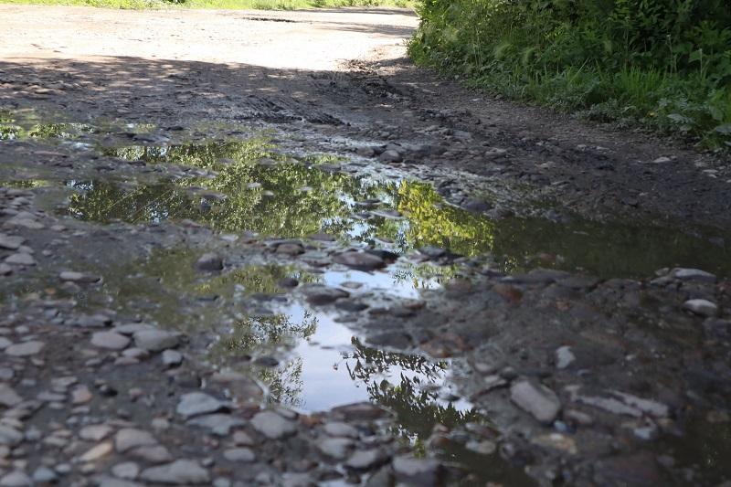 На «убитые» дороги жалуются жители микрорайона Биробиджан-2