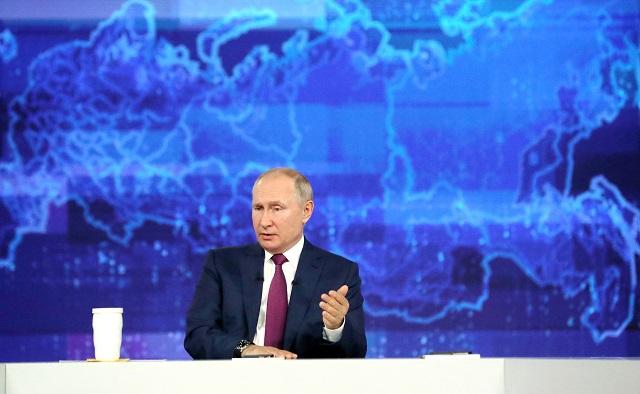 Путин ответил на спорный вопрос о выплатах по 10 тысяч рублей к школе